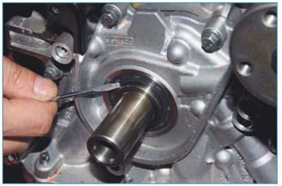 Как менять сальник коленвала форд фокус2 1 6 фото