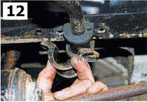 """ГАЗ. Эксплуатация, обслуживание и ремонт, автомобилей семейства """"Соболь"""" (ГАЗ-2752, ГАЗ-2217, ГАЗ-22171, ГАЗ-2310). Амортизатор и стабилизатор поперечной устойчивости передней подвески."""