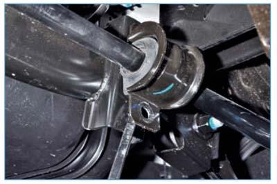 Ford Focus II. Замена подушек штанги стабилизатора поперечной устойчивости и стоек стабилизатора поперечной устойчивости